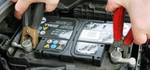 Как правильно прикурить автомобиль от другого автомобиля? Три способа