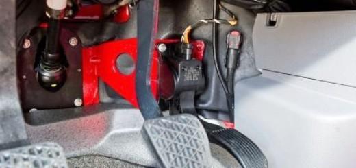 Что делать если отказали тормоза, как затормозить - советы