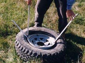 Как правильно разбортировать колесо автомобиля в домашних условиях