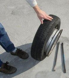 Как разбортировать колесо автомобиля своими руками
