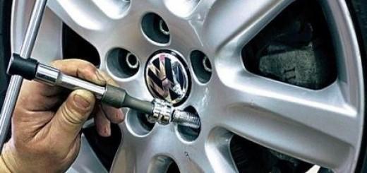 Как снять секретку с колеса без ключа своими руками