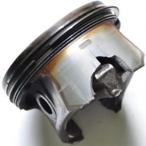 Последствия детонации двигателя автомобиля