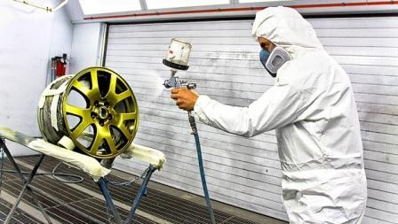 Восстановление колесных дисков автомобиля: обработка и покраска