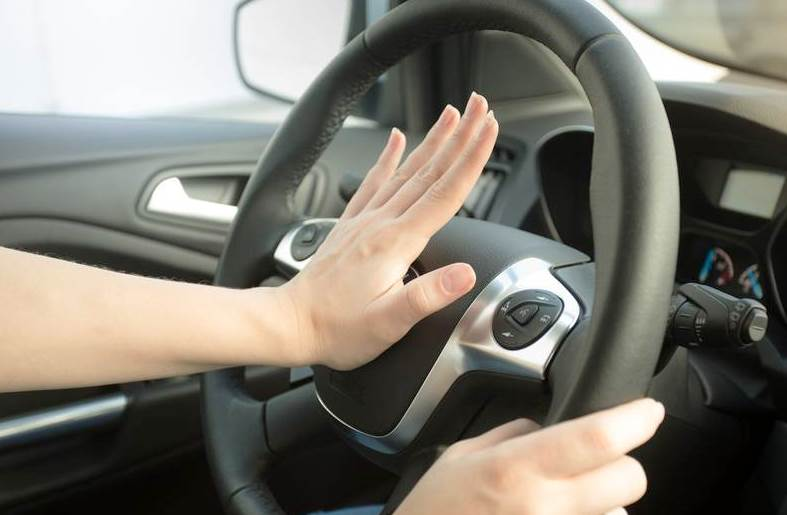 Что такое клаксон и для чего он нужен в автомобиле